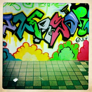 hk graffiti - happy valley walkway