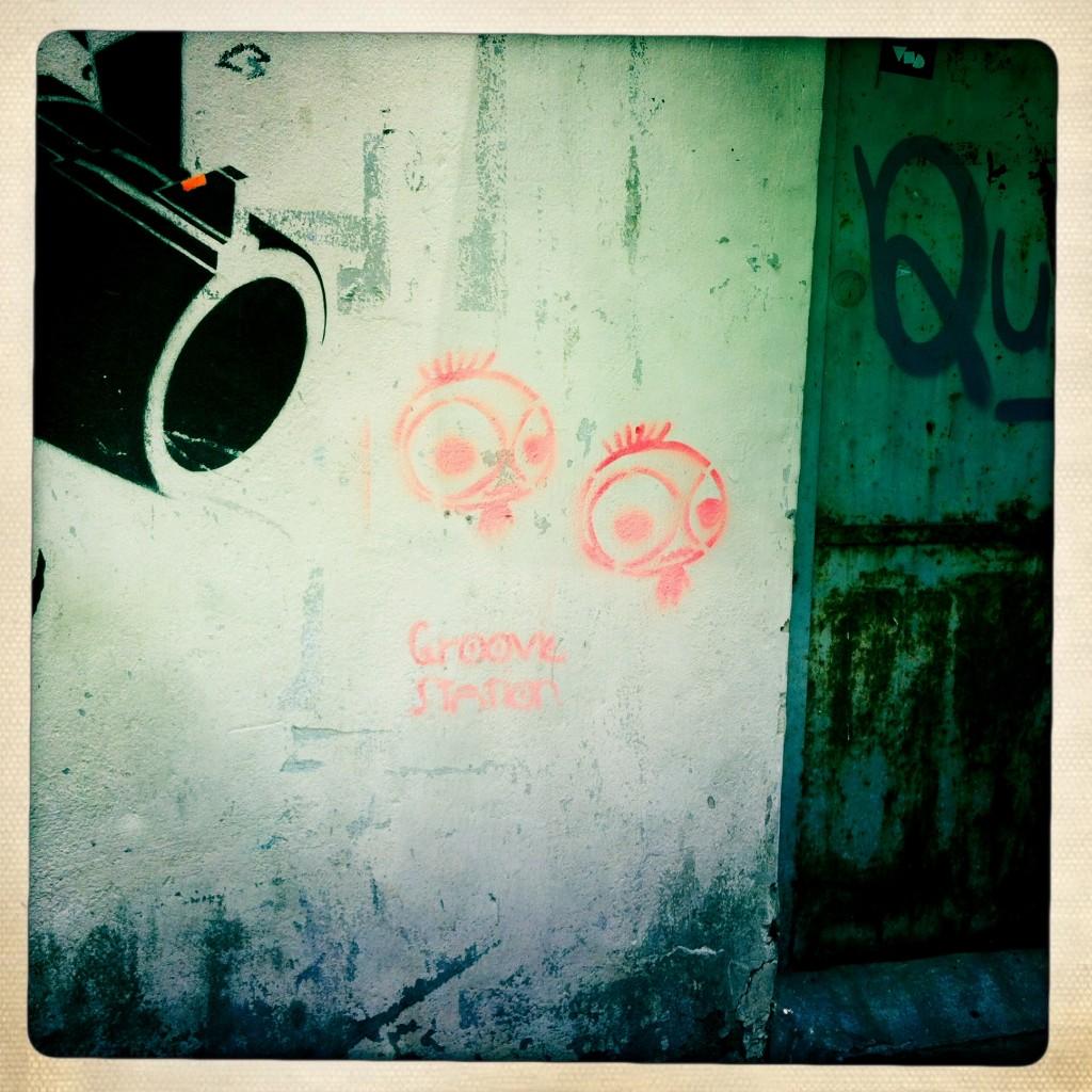 sheung wan - hong kong graffiti - shoot
