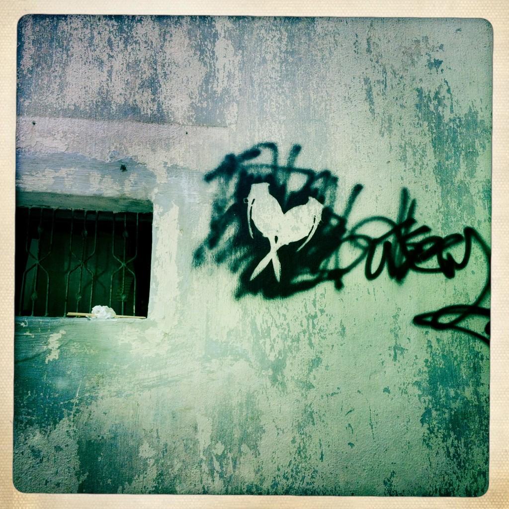sheung wan - hong kong graffiti - bomb